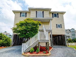 Hampton Colony 380 Oceanfront-B Lot! | Community Pool, Hot Tub, Internet, Wedding Friendly, Jacuzzi - North Topsail Beach vacation rentals