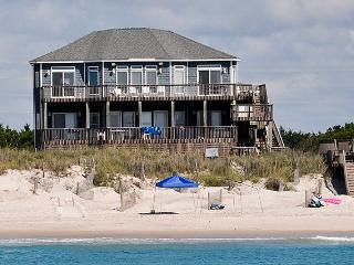 Hampton Colony 412 Oceanfront!   Community Pool, Hot Tub, Internet, Wedding Friendly, Jacuzzi - North Topsail Beach vacation rentals