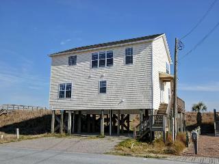 N. Shore Dr. 1120 Oceanfront! | Jacuzzi, Pet Friendly, Internet - Surf City vacation rentals
