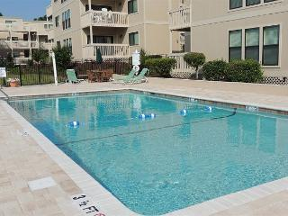 Affordable, Clean, Cozy 2 Bedroom Ocean Bridge Vacation Home in Myrtle Beach SC - Myrtle Beach vacation rentals