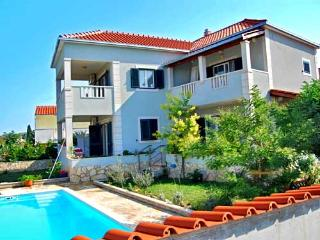 HOLIDAY VILLA SUPETAR - BRAC ISLAND - Island Brac vacation rentals