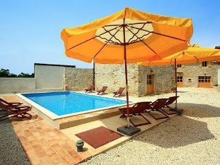 ATTRACTIVE HOLIDAY VILLA - Barban vacation rentals