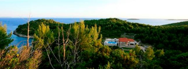 EXQUISITE BEACH FRONT HOLIDAY VILLA WITH POOL - Image 1 - Korcula - rentals