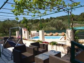 4 bedroom apartment with pool, Korcula - Southern Dalmatia Islands vacation rentals