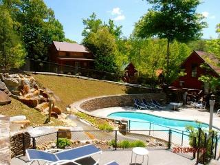 SPRING/SUMMER SPECIAL, COZY 2BD/2BA CABIN - Gatlinburg vacation rentals