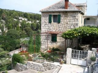 STONE HOUSE DOL BRAC RENTAL - Image 1 - Croatia - rentals