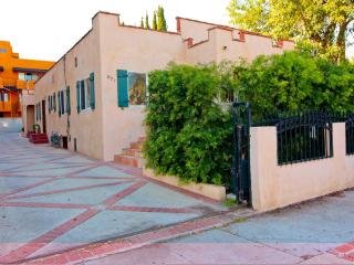 Hollywood-Melrose Area-10% off Special - Los Angeles vacation rentals