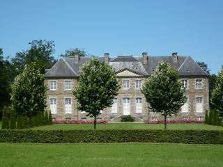Chateau de Saint Charles de Percy. B&B in Normandy - Saint-Charles-de-Percy vacation rentals