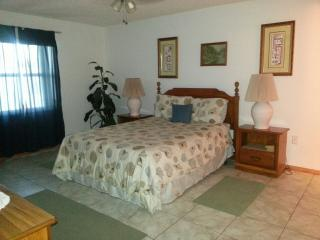 2 bedroom condo on beautiful Ormond Beach - Ormond Beach vacation rentals
