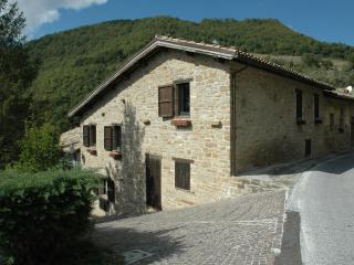 Antique hayloft -National Park Monti Sibillini - Pievebovigliana vacation rentals