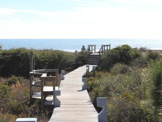 Spectacular Oceanfront 2 Bedroom Shipwatch Villa - Kiawah Island vacation rentals