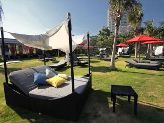 1 bedroom by the beach: Hua Hin - Prachuap Khiri Khan vacation rentals