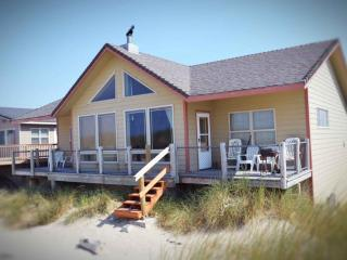 Ocean Front Sits Right on a Sandy Beach! - Waldport vacation rentals