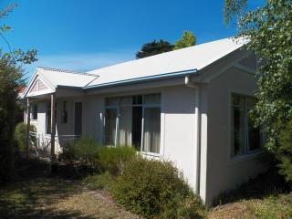 Panorama Estate - Holiday Cottage #1 (Periwinkle) - Launceston vacation rentals