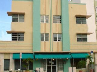 Affordable Ocean Drive Studio*On Beach w/ Pool - Miami Beach vacation rentals