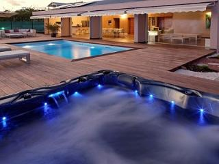 Luxurious villa rentals La Coulee Bleue - Saint-François vacation rentals