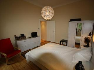 Charming 2 Bedroom - Berlin Messe apartment - Berlin vacation rentals