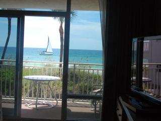 Anna Maria Island Beachfront studio appartment - Bradenton Beach vacation rentals