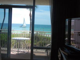 Anna Maria Island Beachfront studio appartment - West Bay vacation rentals