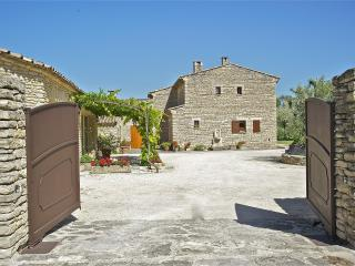 Romantic, Charming 1 Bedroom Cottage Gordes, Luberon, Provence - Saignon vacation rentals