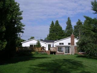 Upper James Manor Kawarthas Peterborough - Peterborough vacation rentals