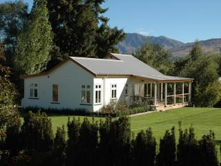 Willowbrook Cottage below Coronet Peak - Arrowtown vacation rentals