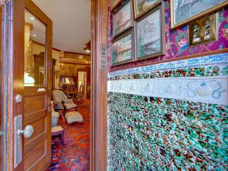 Vintage Goodies, Capitol Hill, Love this Place! - Washington DC vacation rentals