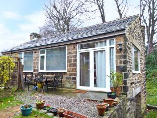 1A CHURCH VIEW, detached, original features, patio garden, in Otley, Ref 21138 - Otley vacation rentals