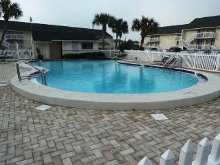 1st Floor Studio, steps from the Beach! Super cute! Private Beach Access.!!!! - Destin vacation rentals