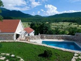 Stone holiday villas with pool, Zagora - Zadar vacation rentals