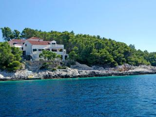Seafront apartment for rent, Korcula - Southern Dalmatia Islands vacation rentals