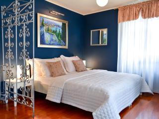 Villa Olivia- Luxury Old Town Blue studio - Split vacation rentals