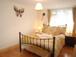 Lower Apartment, Robertsbridge Retreat:PetFriendly - Robertsbridge vacation rentals
