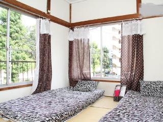 3 BEDROOM HOUSE, Mid Tokyo - Roppongi - Minato vacation rentals
