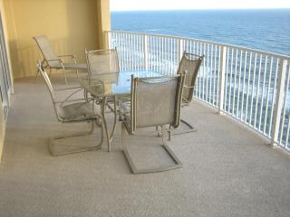 Beautiful 2 Bedroom on 18th Floor with Phenomenal View at Emerald Isle - Panama City Beach vacation rentals