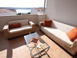 B8 - Niamh - Brac vacation rentals