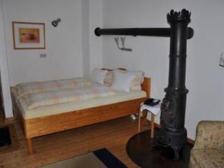 Double Room in Welschneudorf - rustic, quiet, natural (# 3746) - Welschneudorf vacation rentals