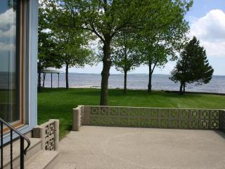 Newly Remodeled Harry's Hideaway on Lake Winnebago - Chilton vacation rentals