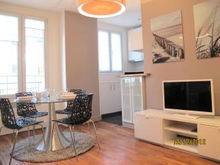 FLAT PORTE DE VERSAILLES / PARIS - Francesville vacation rentals