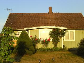 Family friendly house only 400 m from the ocean - Degerhamn vacation rentals