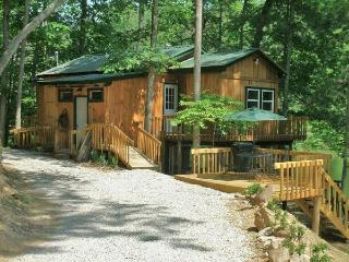 Bear Lair @ Bear Track Lake  near Red River Gorge - Kentucky vacation rentals