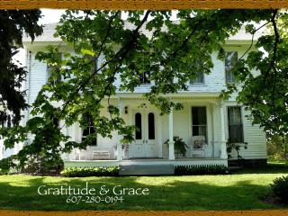Gratitude & Grace - Dundee vacation rentals