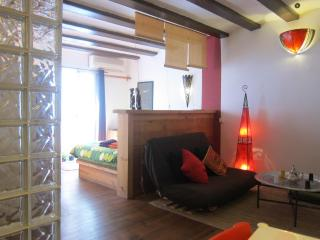 Lovely Flat Next To The Ramblas - Barcelona vacation rentals