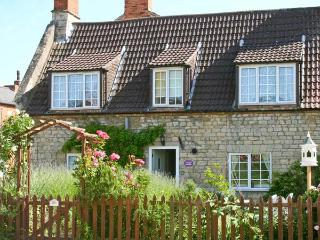 LAVENDER COTTAGE, family-friendly, character features, in peaceful village of Billingborough, near Sleaford, Ref 21296 - Nottinghamshire vacation rentals