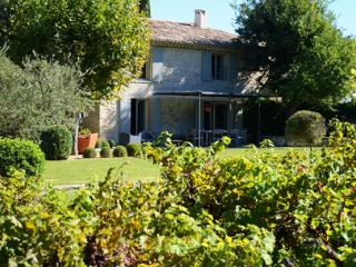 La Jaume, Gorgeous and Pet-Friendly 4 Bedroom Villa with Hot Tub - Menerbes vacation rentals