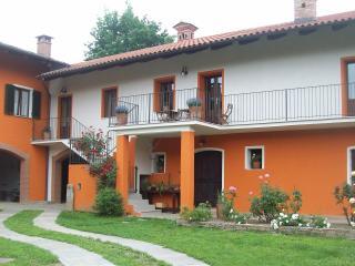 Il Bosco Delle Api - Prarostino vacation rentals