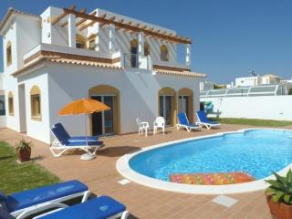 Charming 3bdr villa, Art Nouveau Style bathrooms - Albufeira vacation rentals