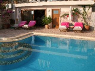 (005VG) Great 4/5 Bed Villa - Kalkan vacation rentals