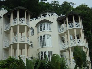Chill on the hill - Ocho Rios vacation rentals