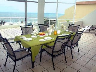 Self catering beach apartment - Uvongo vacation rentals